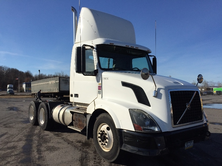 Day Cab Tractor-Heavy Duty Tractors-Volvo-2012-VNL64T300-HARRISBURG-PA-181,322 miles-$45,500