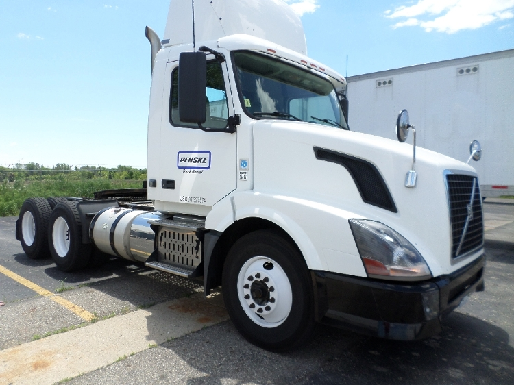 Day Cab Tractor-Heavy Duty Tractors-Volvo-2012-VNL64T300-GAHANNA-OH-269,847 miles-$29,250