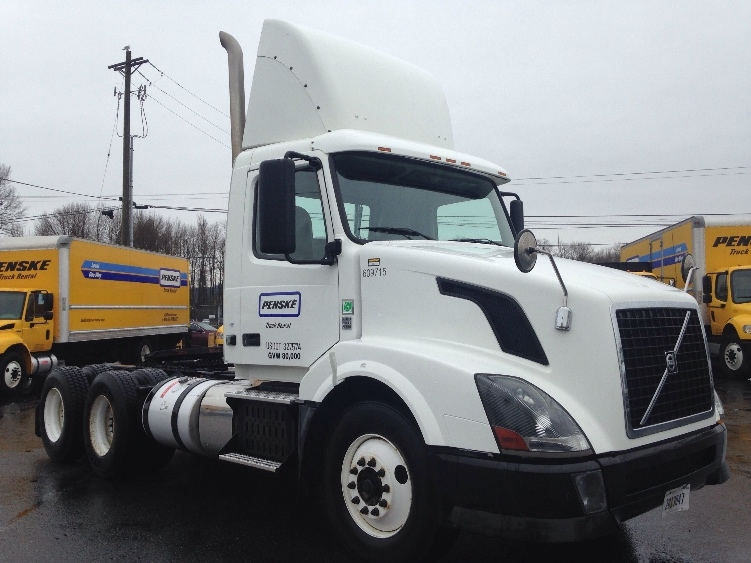 Day Cab Tractor-Heavy Duty Tractors-Volvo-2012-VNL64T300-KENT-WA-230,627 miles-$44,500