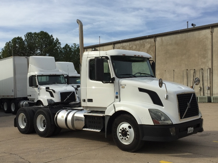 Day Cab Tractor-Heavy Duty Tractors-Volvo-2012-VNL64T300-HOMEWOOD-AL-303,967 miles-$34,750