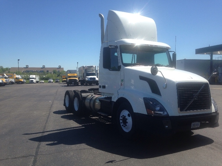 Day Cab Tractor-Heavy Duty Tractors-Volvo-2012-VNL64T300-ERLANGER-KY-426,174 miles-$29,250