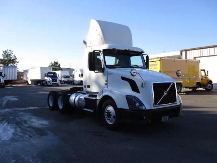 Day Cab Tractor-Heavy Duty Tractors-Volvo-2012-VNL64T300-PELL CITY-AL-498,574 miles-$28,000