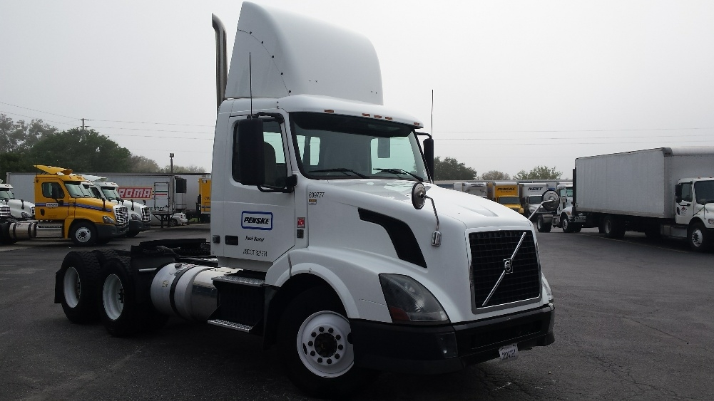 Day Cab Tractor-Heavy Duty Tractors-Volvo-2012-VNL64T300-CHARLOTTE-NC-347,790 miles-$33,500