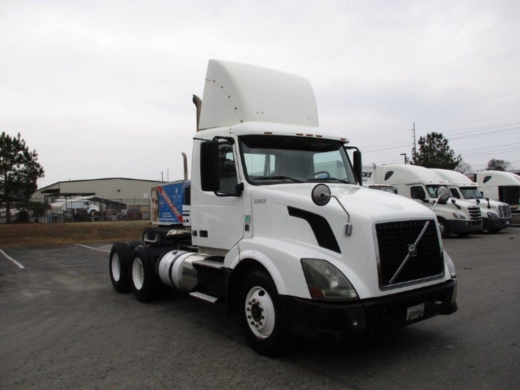 Day Cab Tractor-Heavy Duty Tractors-Volvo-2012-VNL64T300-PELL CITY-AL-528,471 miles-$26,500
