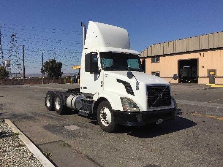 Day Cab Tractor-Heavy Duty Tractors-Volvo-2012-VNL64T300-CHINO-CA-192,742 miles-$36,500