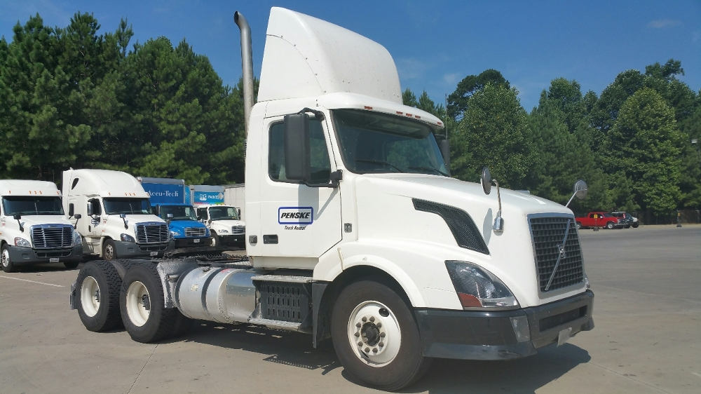 Day Cab Tractor-Heavy Duty Tractors-Volvo-2012-VNL64T300-ATLANTA-GA-305,690 miles-$41,750