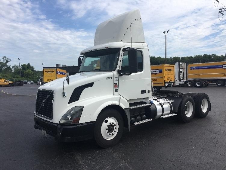 Day Cab Tractor-Heavy Duty Tractors-Volvo-2012-VNL64T300-GREENSBORO-NC-395,949 miles-$27,000