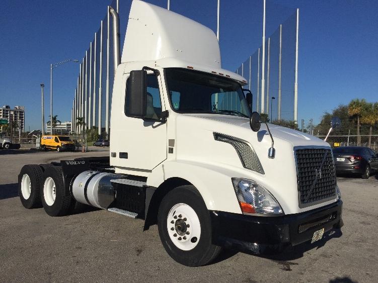 Day Cab Tractor-Heavy Duty Tractors-Volvo-2012-VNL64T300-MIAMI-FL-278,990 miles-$35,250