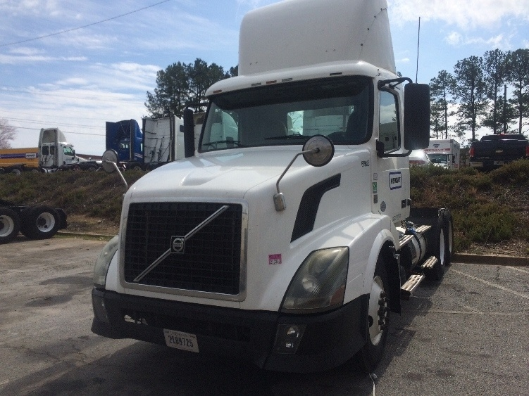 Day Cab Tractor-Heavy Duty Tractors-Volvo-2012-VNL64T300-WEST COLUMBIA-SC-452,562 miles-$38,750