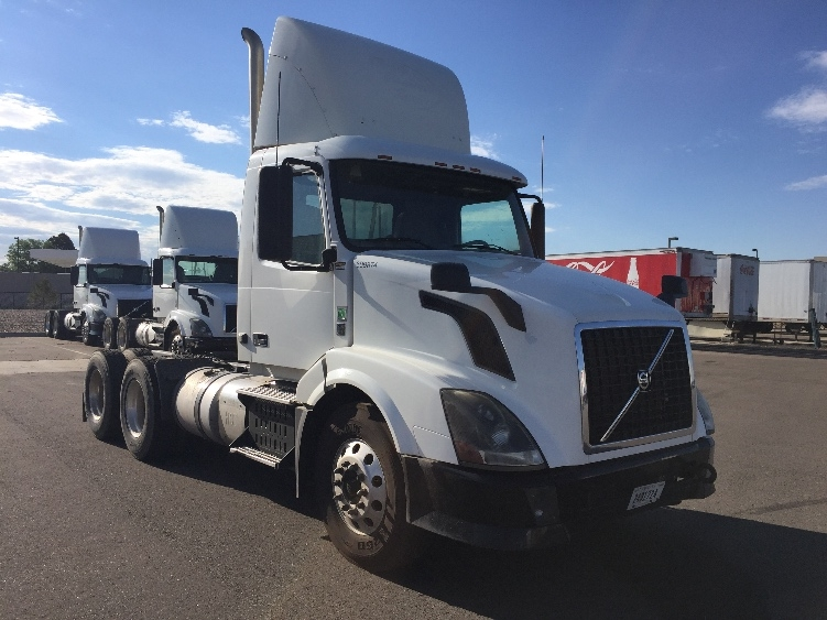 Day Cab Tractor-Heavy Duty Tractors-Volvo-2012-VNL64T300-DENVER-CO-250,167 miles-$35,000
