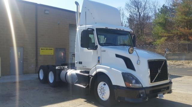 Day Cab Tractor-Heavy Duty Tractors-Volvo-2012-VNL64T300-NORTON-MA-283,413 miles-$38,500