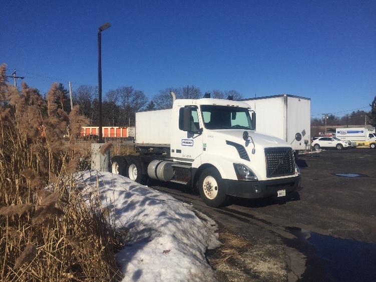 Day Cab Tractor-Heavy Duty Tractors-Volvo-2012-VNL64T300-CRANSTON-RI-257,170 miles-$41,250