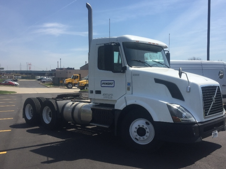 Day Cab Tractor-Heavy Duty Tractors-Volvo-2012-VNL64T300-GANSEVOORT-NY-238,018 miles-$50,000