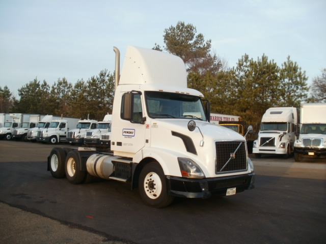 Day Cab Tractor-Heavy Duty Tractors-Volvo-2012-VNL64T300-RICHLAND-MS-319,678 miles-$37,750