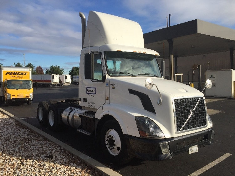 Day Cab Tractor-Heavy Duty Tractors-Volvo-2012-VNL64T300-BETHLEHEM-PA-272,551 miles-$27,750