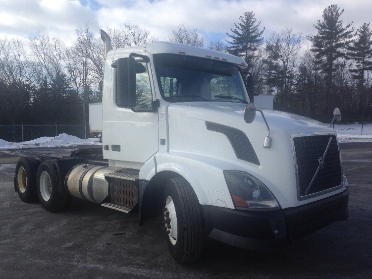 Day Cab Tractor-Heavy Duty Tractors-Volvo-2012-VNL64T300-LONDONDERRY-NH-338,562 miles-$36,750