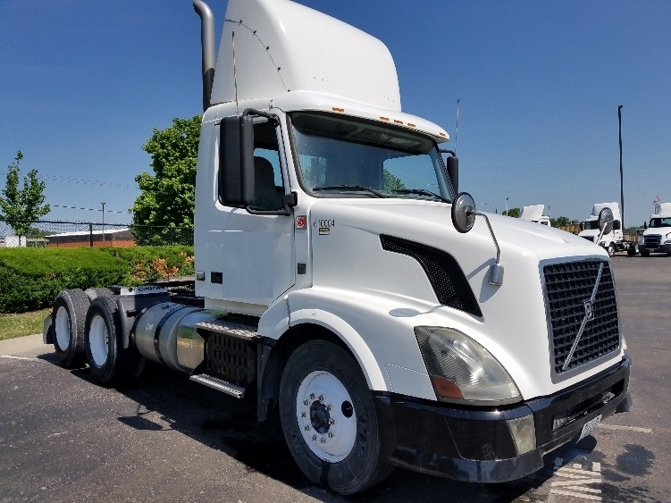 Day Cab Tractor-Heavy Duty Tractors-Volvo-2012-VNL64T300-KANSAS CITY-MO-408,714 miles-$26,500