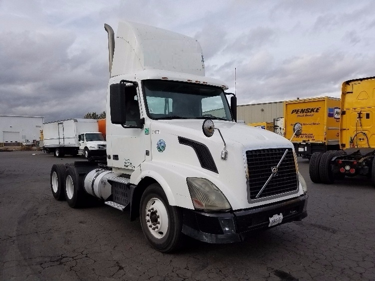 Day Cab Tractor-Heavy Duty Tractors-Volvo-2012-VNL64T300-SPARKS-NV-275,655 miles-$36,500
