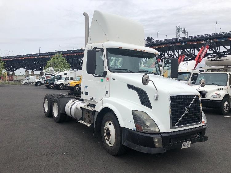 Day Cab Tractor-Heavy Duty Tractors-Volvo-2012-VNL64T300-SOUTH KEARNY-NJ-246,333 miles-$38,000