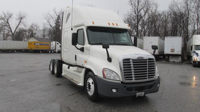 Sleeper Tractor-Heavy Duty Tractors-Freightliner-2012-Cascadia 12564ST-FORT WAYNE-IN-650,423 miles-$20,000