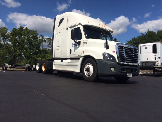 Sleeper Tractor-Heavy Duty Tractors-Freightliner-2012-Cascadia 12564ST-DENVER-CO-539,915 miles-$33,250