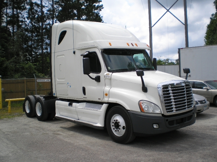 Sleeper Tractor-Heavy Duty Tractors-Freightliner-2012-Cascadia 12564ST-ST CLOUD-MN-559,383 miles-$40,750