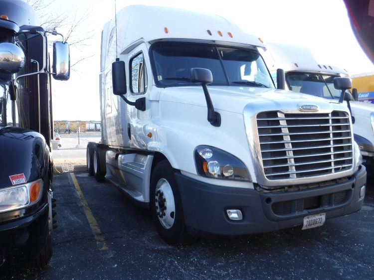 Sleeper Tractor-Heavy Duty Tractors-Freightliner-2012-Cascadia 12564ST-WAUKEGAN-IL-586,988 miles-$39,500