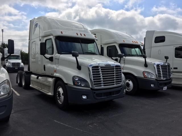 Sleeper Tractor-Heavy Duty Tractors-Freightliner-2012-Cascadia 12564ST-KANSAS CITY-MO-616,582 miles-$39,250