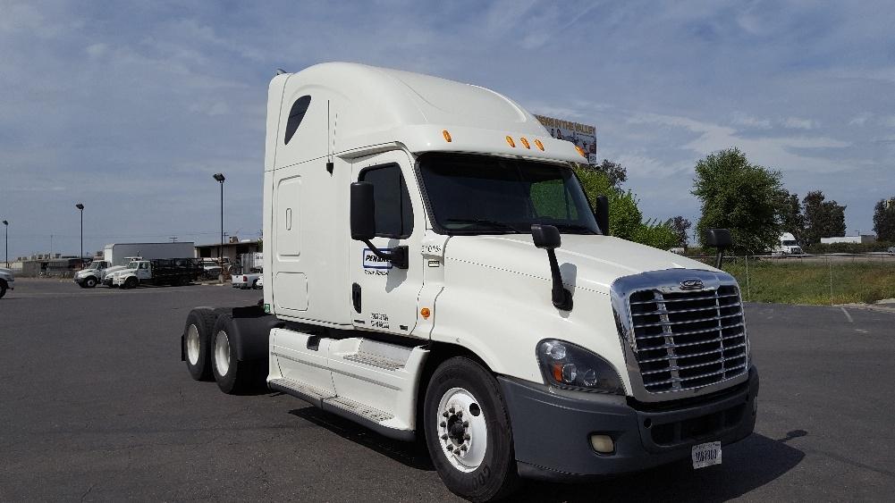 Sleeper Tractor-Heavy Duty Tractors-Freightliner-2012-Cascadia 12564ST-TACOMA-WA-650,504 miles-$32,750