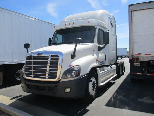 Sleeper Tractor-Heavy Duty Tractors-Freightliner-2012-Cascadia 12564ST-ANAHEIM-CA-451,406 miles-$19,000