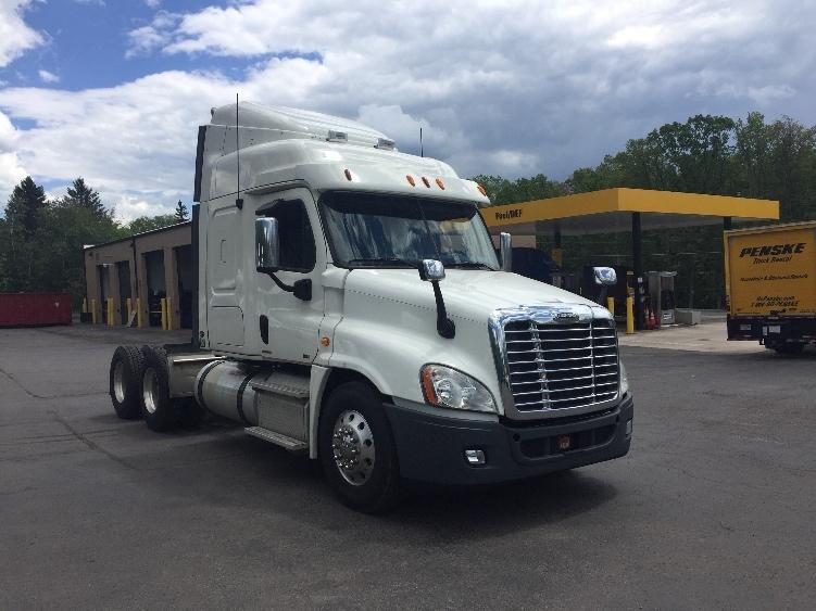 Sleeper Tractor-Heavy Duty Tractors-Freightliner-2012-Cascadia 12564ST-SANDSTON-VA-467,784 miles-$14,000