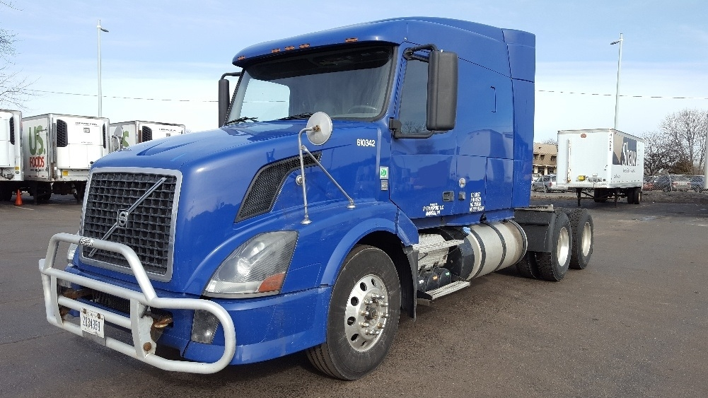 Sleeper Tractor-Heavy Duty Tractors-Volvo-2012-VNL64T630-MADISON-WI-795,328 miles-$29,500