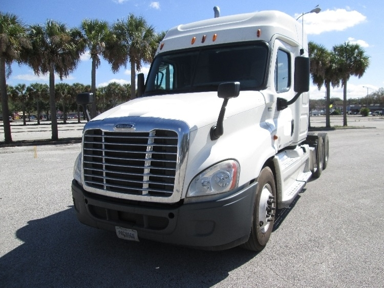 Sleeper Tractor-Heavy Duty Tractors-Freightliner-2011-Cascadia 12564ST-TAMPA-FL-518,911 miles-$33,000