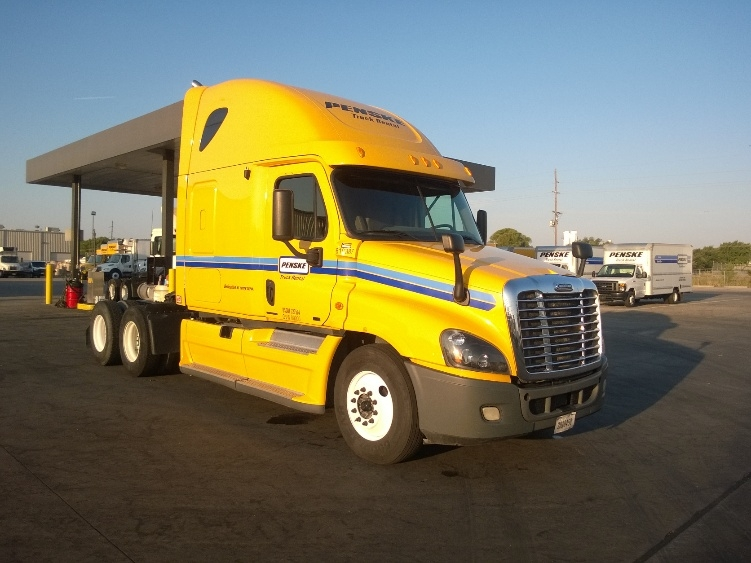 Sleeper Tractor-Heavy Duty Tractors-Freightliner-2012-Cascadia 12564ST-AKRON-NY-565,715 miles-$35,500