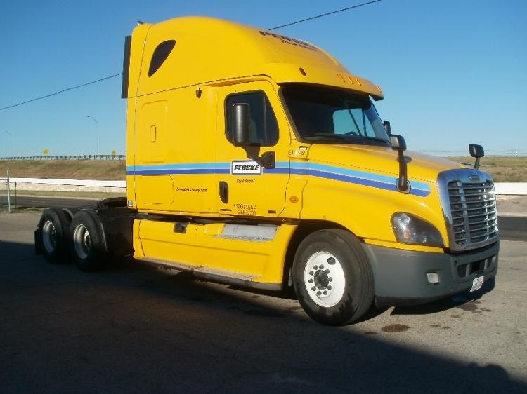 Sleeper Tractor-Heavy Duty Tractors-Freightliner-2012-Cascadia 12564ST-DALLAS-TX-655,462 miles-$33,000