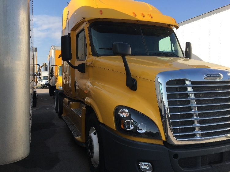 Sleeper Tractor-Heavy Duty Tractors-Freightliner-2012-Cascadia 12564ST-DALLAS-TX-682,850 miles-$19,000