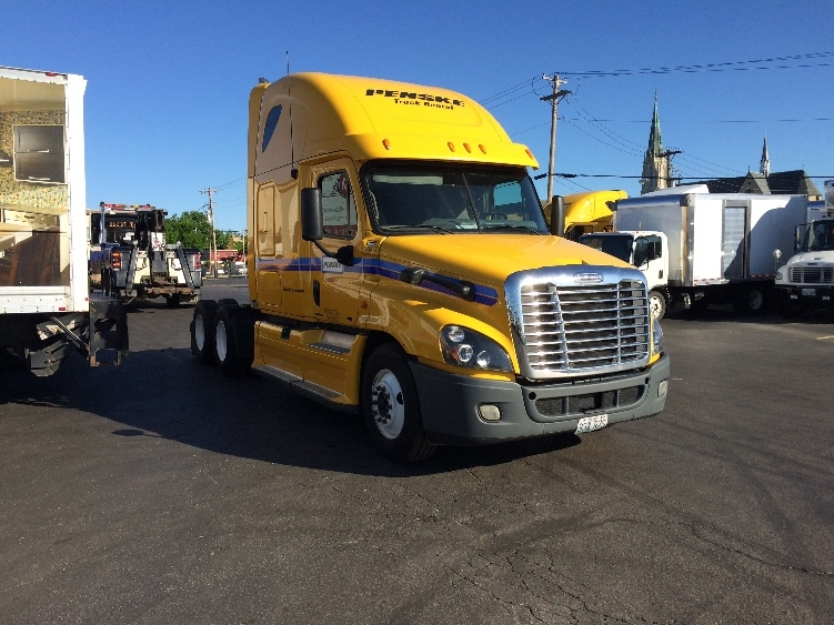 Sleeper Tractor-Heavy Duty Tractors-Freightliner-2012-Cascadia 12564ST-SAINT LOUIS-MO-647,855 miles-$35,000