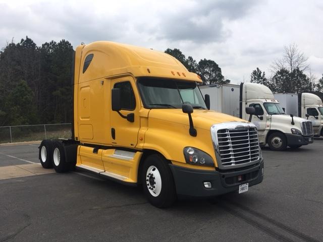 Sleeper Tractor-Heavy Duty Tractors-Freightliner-2012-Cascadia 12564ST-LITTLE ROCK-AR-486,342 miles-$36,750