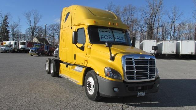 Sleeper Tractor-Heavy Duty Tractors-Freightliner-2012-Cascadia 12564ST-ALLEN PARK-MI-541,578 miles-$38,000