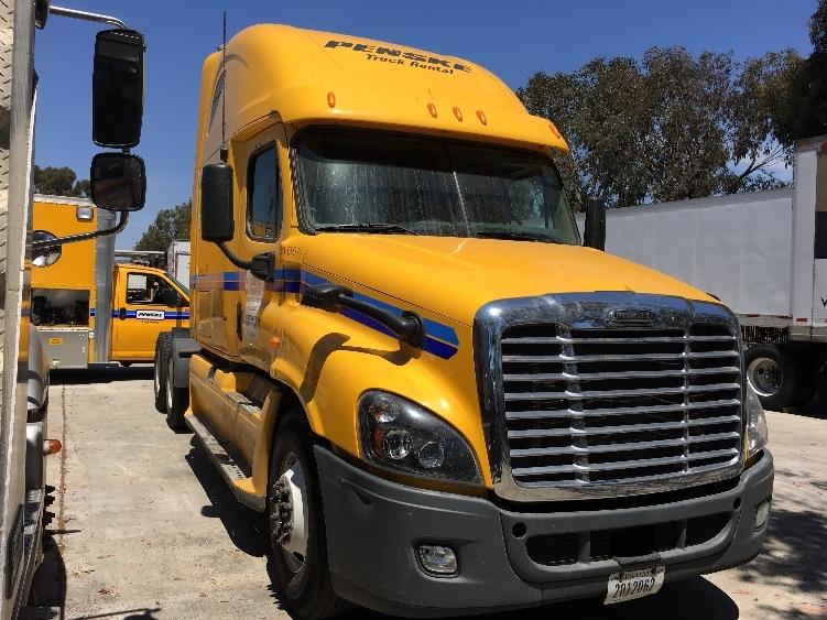 Sleeper Tractor-Heavy Duty Tractors-Freightliner-2012-Cascadia 12564ST-SAN MARCOS-CA-408,815 miles-$16,500
