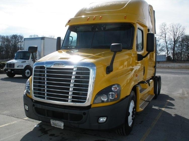 Sleeper Tractor-Heavy Duty Tractors-Freightliner-2012-Cascadia 12564ST-ALBANY-NY-602,420 miles-$13,000
