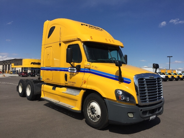 Sleeper Tractor-Heavy Duty Tractors-Freightliner-2012-Cascadia 12564ST-CAPITOL HEIGHTS-MD-477,578 miles-$41,000