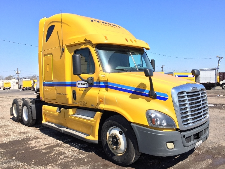 Sleeper Tractor-Heavy Duty Tractors-Freightliner-2012-Cascadia 12564ST-BALTIMORE-MD-590,622 miles-$34,000