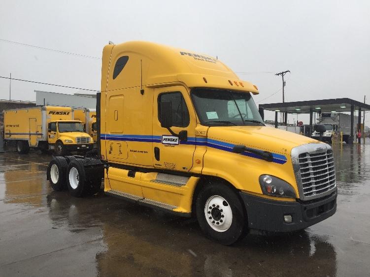 Sleeper Tractor-Heavy Duty Tractors-Freightliner-2012-Cascadia 12564ST-DAYTON-NJ-494,437 miles-$35,500