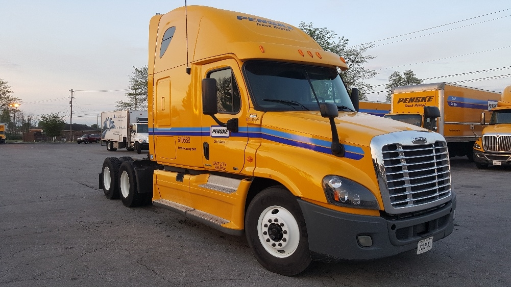 Sleeper Tractor-Heavy Duty Tractors-Freightliner-2012-Cascadia 12564ST-LEXINGTON-KY-527,811 miles-$34,750
