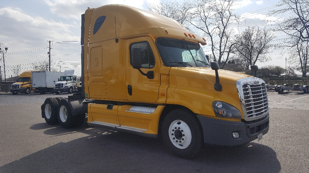Sleeper Tractor-Heavy Duty Tractors-Freightliner-2012-Cascadia 12564ST-LEXINGTON-KY-664,472 miles-$33,000