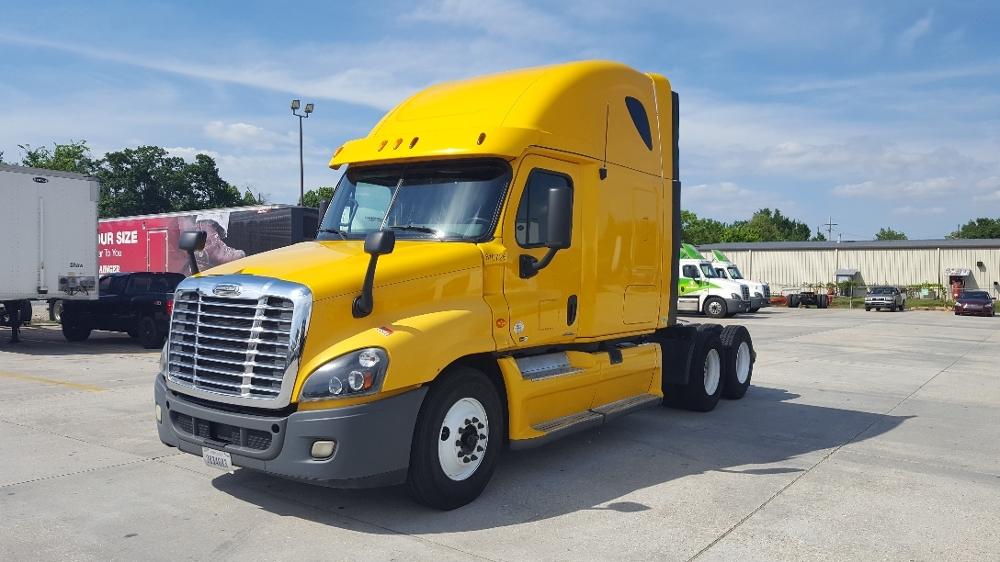 Sleeper Tractor-Heavy Duty Tractors-Freightliner-2012-Cascadia 12564ST-HAMMOND-LA-373,281 miles-$40,000
