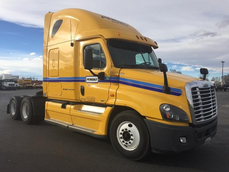 Sleeper Tractor-Heavy Duty Tractors-Freightliner-2012-Cascadia 12564ST-SALEM-VA-535,666 miles-$39,250