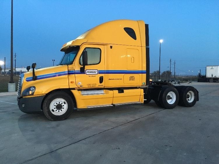 Sleeper Tractor-Heavy Duty Tractors-Freightliner-2012-Cascadia 12564ST-ANAHEIM-CA-480,782 miles-$16,000