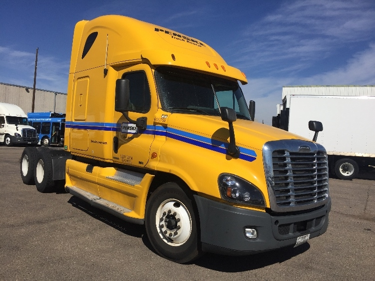 Sleeper Tractor-Heavy Duty Tractors-Freightliner-2012-Cascadia 12564ST-DENVER-CO-604,567 miles-$34,750